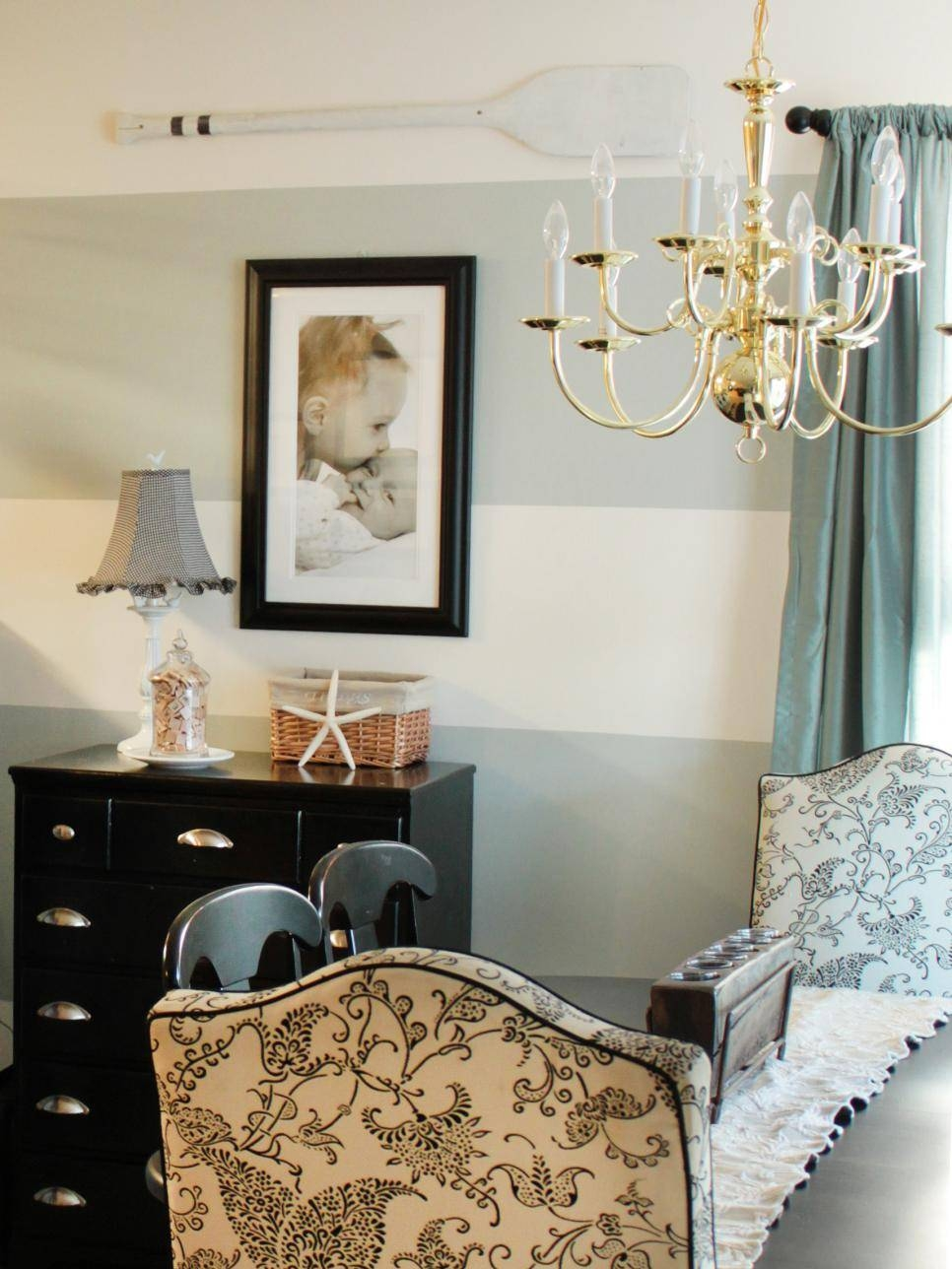 15 Dining Room Decorating Ideas | Hgtv Intended For Best And Newest Wall Art For Dining Room (View 18 of 20)