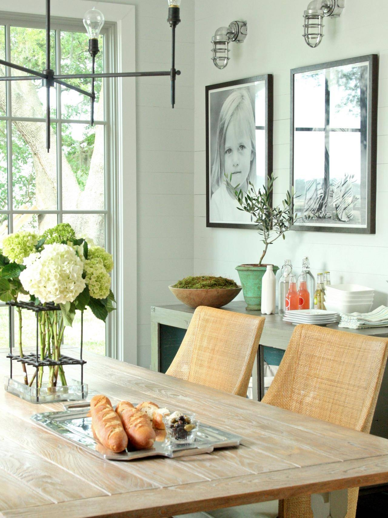 15 Ways To Dress Up Your Dining Room Walls | Hgtv's Decorating Regarding Most Recent Wall Art For Dining Room (View 5 of 20)