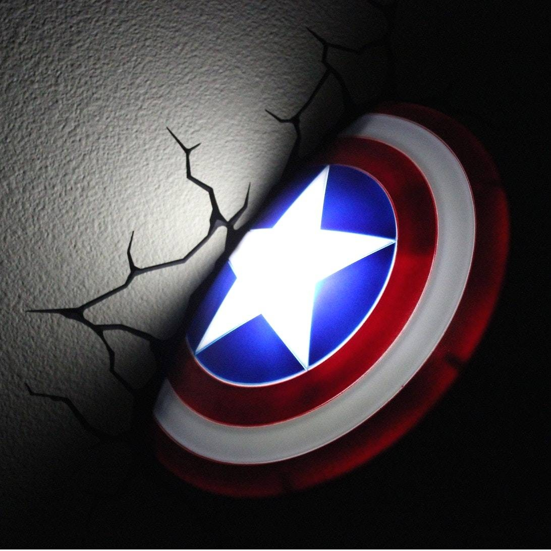 Captain America 3d Wall Light With The Avengers 3d Nightlight This Regarding Recent Avengers 3d Wall Art (View 15 of 20)