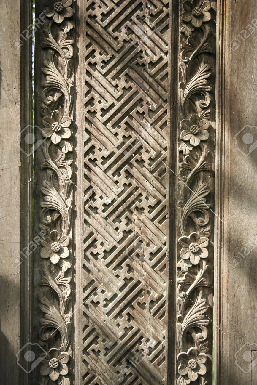 Carved Geometric Flower Patterns In Wooden Wall Panel In Ubud Pertaining To Current Balinese Wall Art (View 14 of 30)