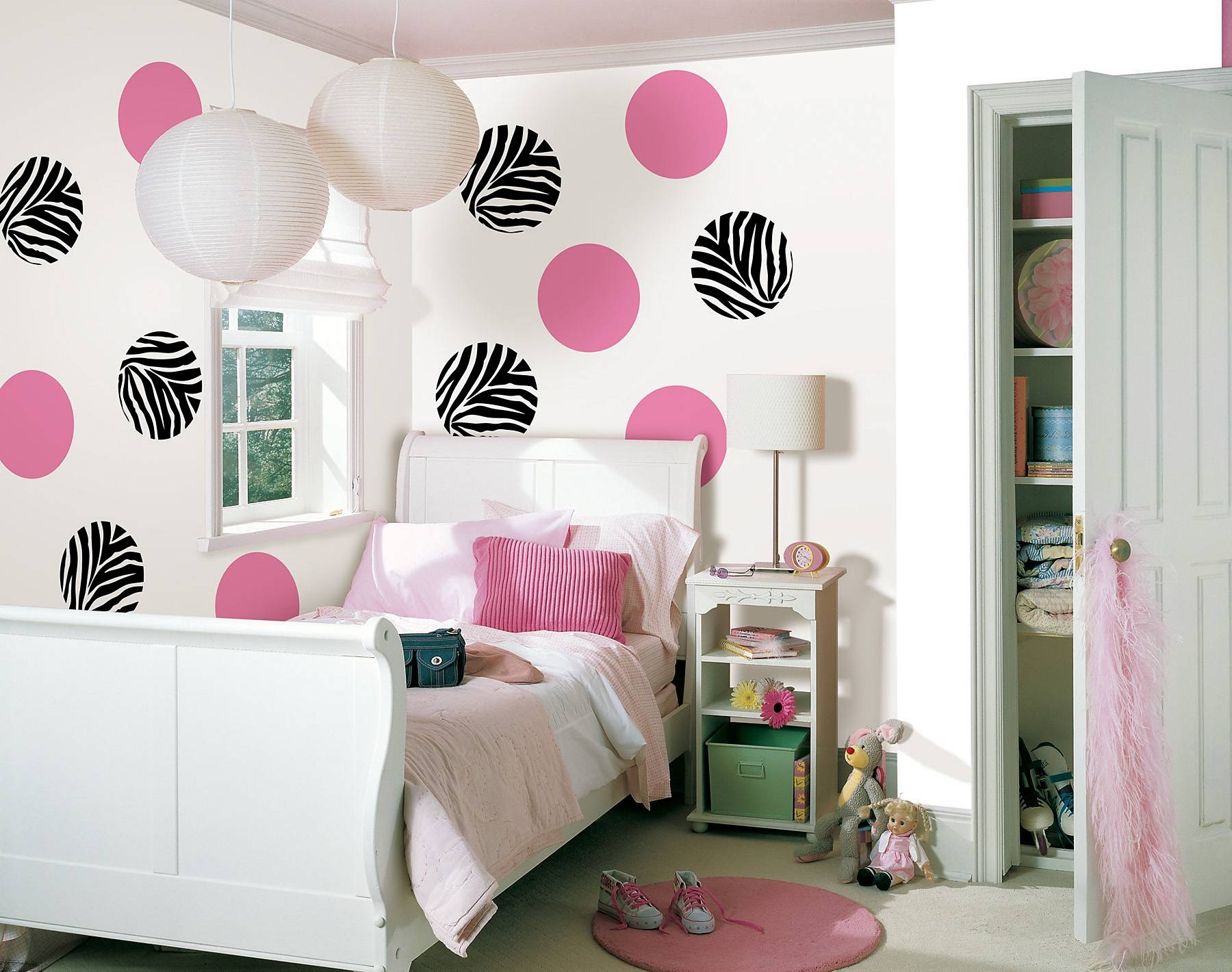 Circle Pink And Black White Zebra Wall Art Connectedpink Bed Regarding Most Popular Wall Art For Teens (View 15 of 20)
