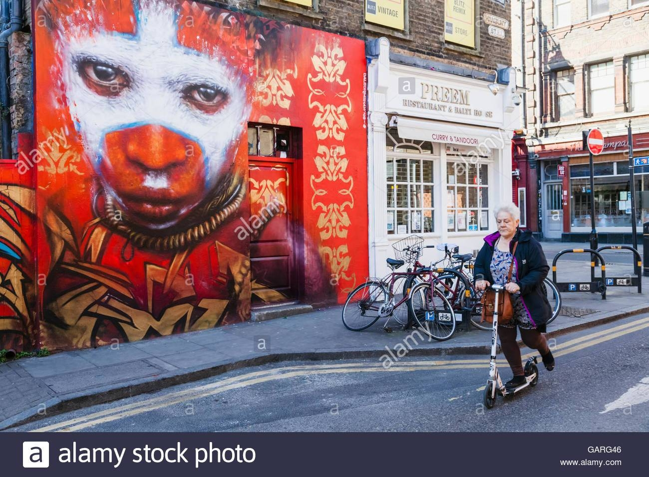 England, London, Shoreditch, Street Scene With Wall Art Stock Regarding Most Current London Scene Wall Art (View 6 of 20)