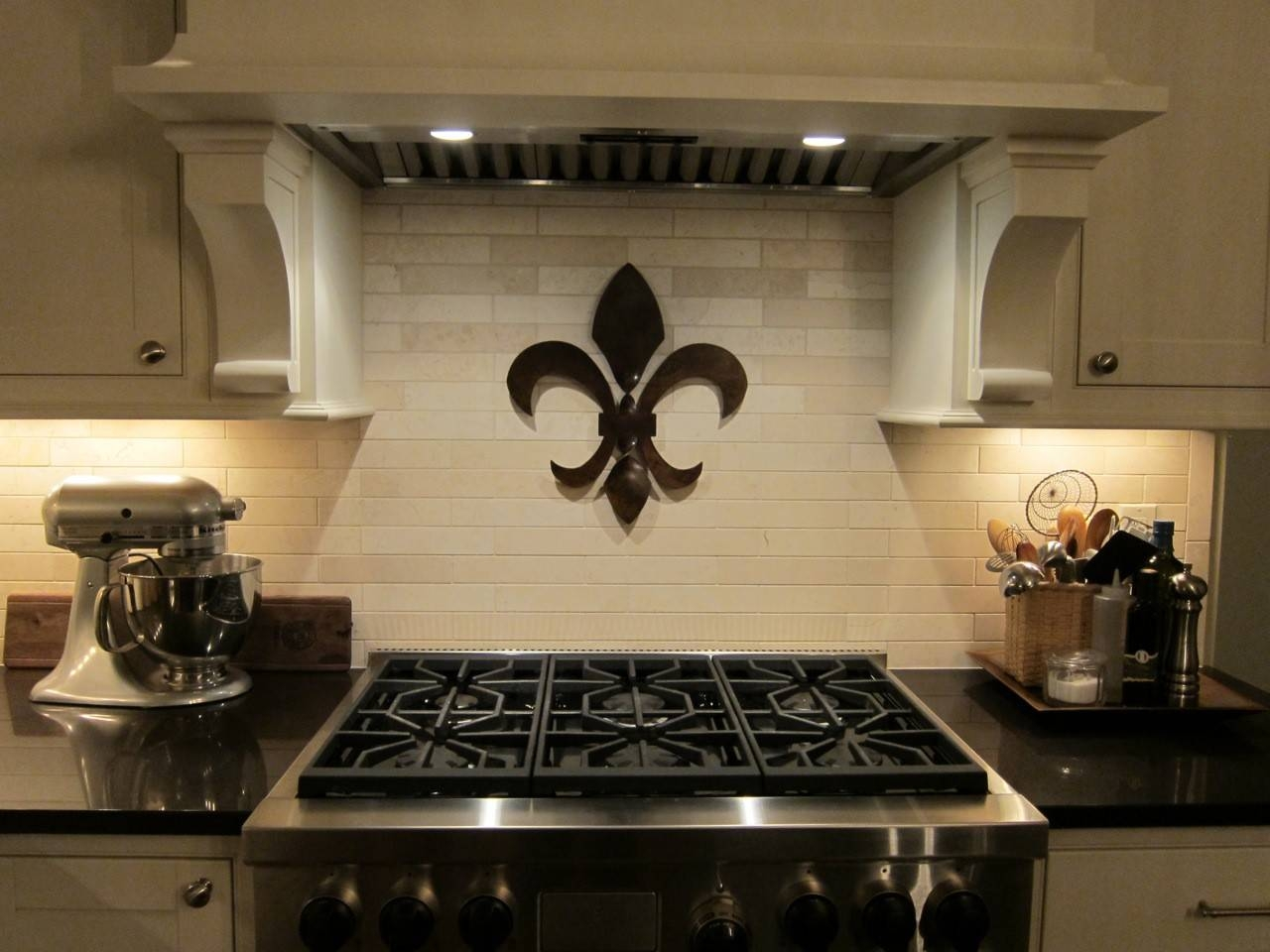 Fleur De Lis Wall Decor With Regard To Latest Metal Fleur De Lis Wall Art (View 15 of 25)