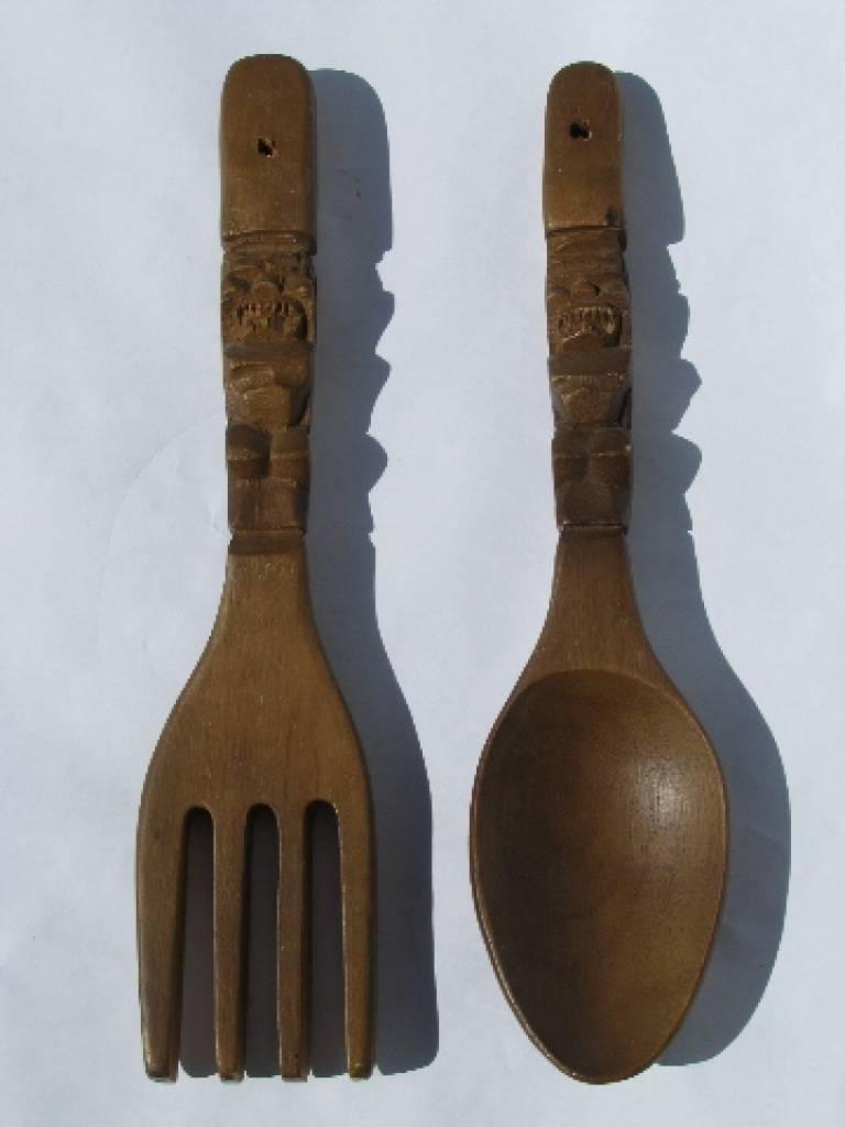Giant Wooden Spoon And Fork Wall Decor: Vintage But Decorative Big Inside Most Current Big Spoon And Fork Wall Decor (Gallery 2 of 30)