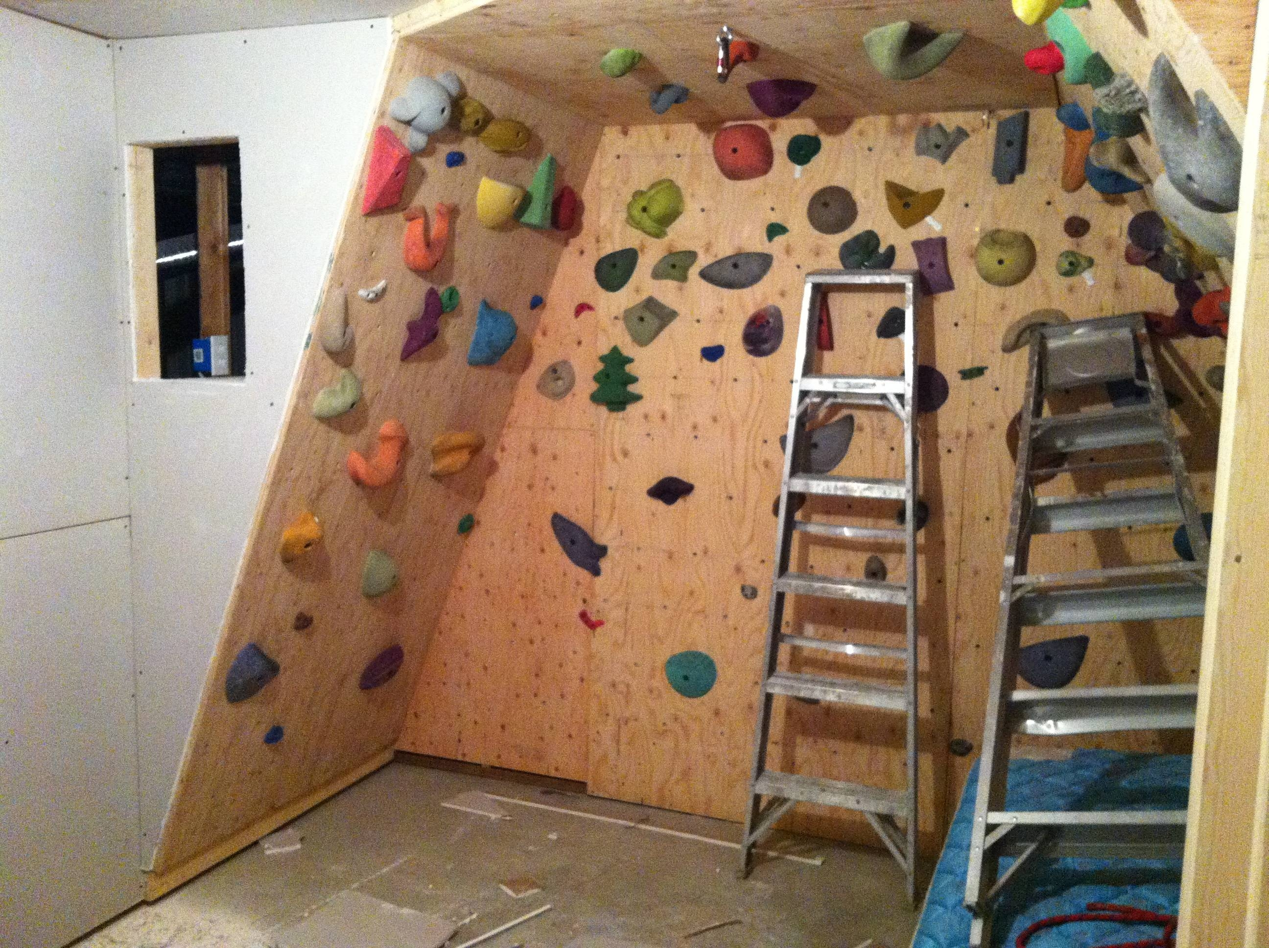 Glamorous Building A Rock Climbing Wall 67 About Remodel Interior For 2018 Home Bouldering Wall Design (View 10 of 20)