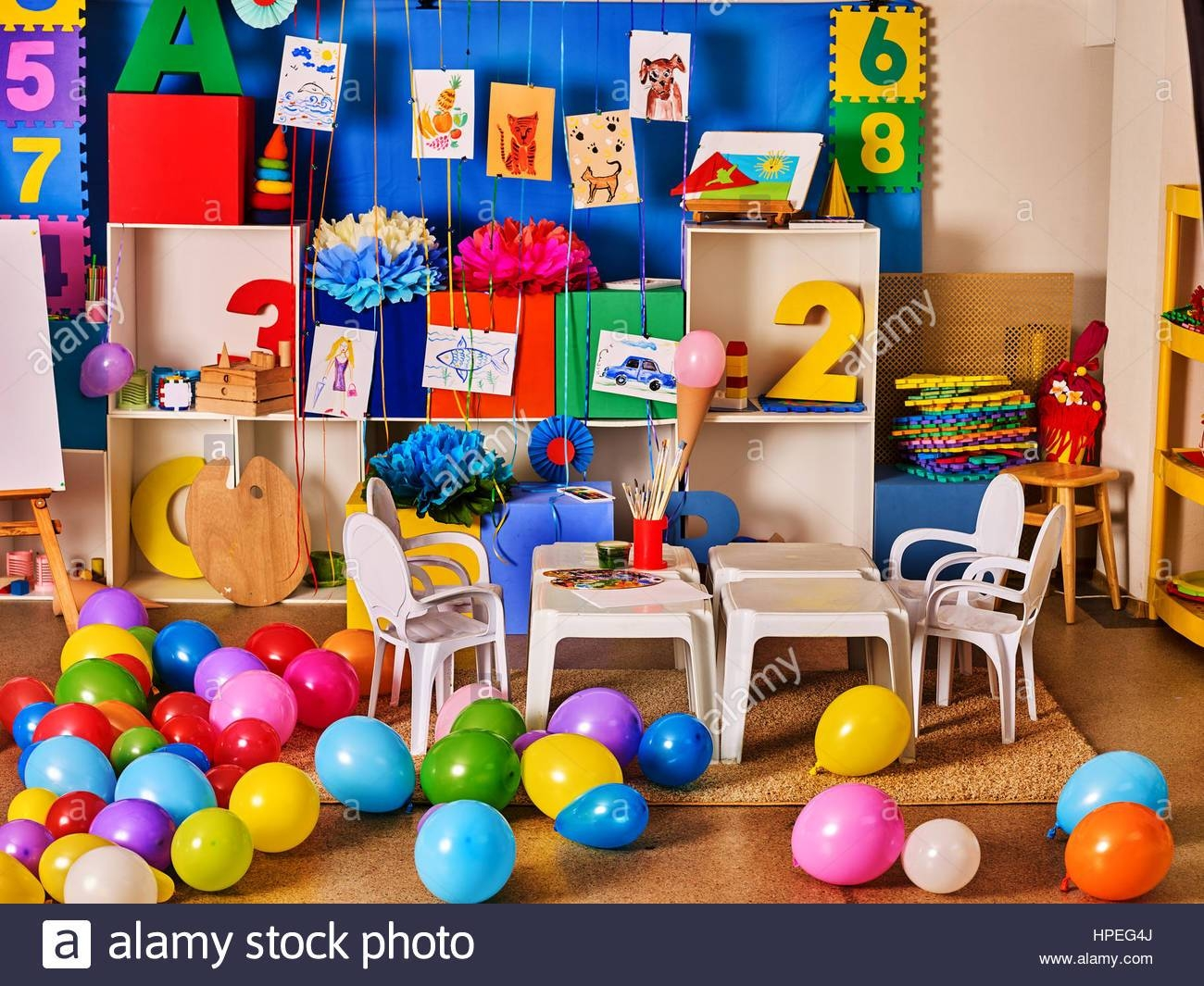 Kindergarten Interior Decoration Child Picture On Wall (View 12 of 30)