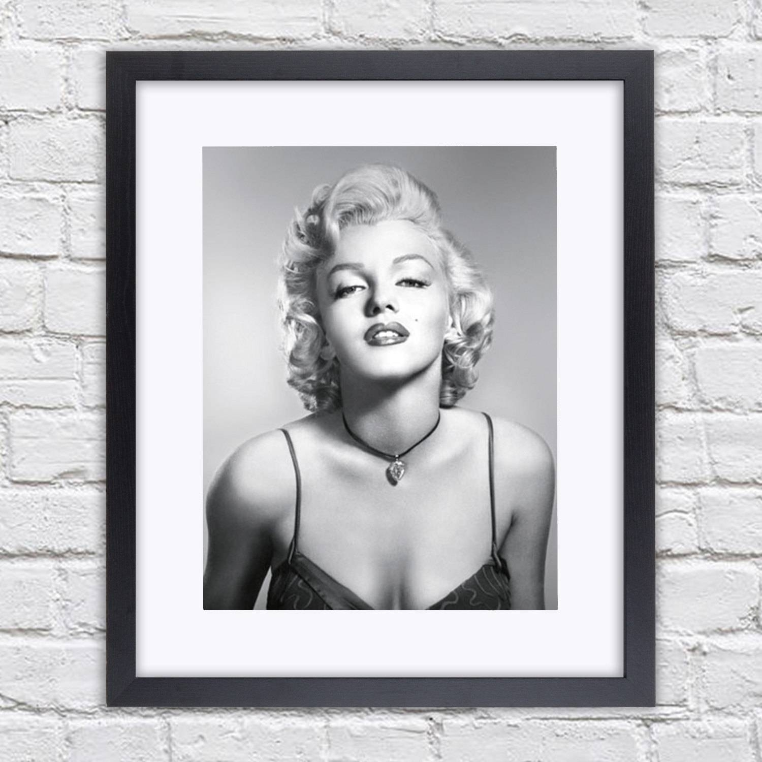 Marilyn Monroe – Diamond Necklace B/w – Mounted & Framed Poster Throughout Current Marilyn Monroe Framed Wall Art (View 14 of 22)