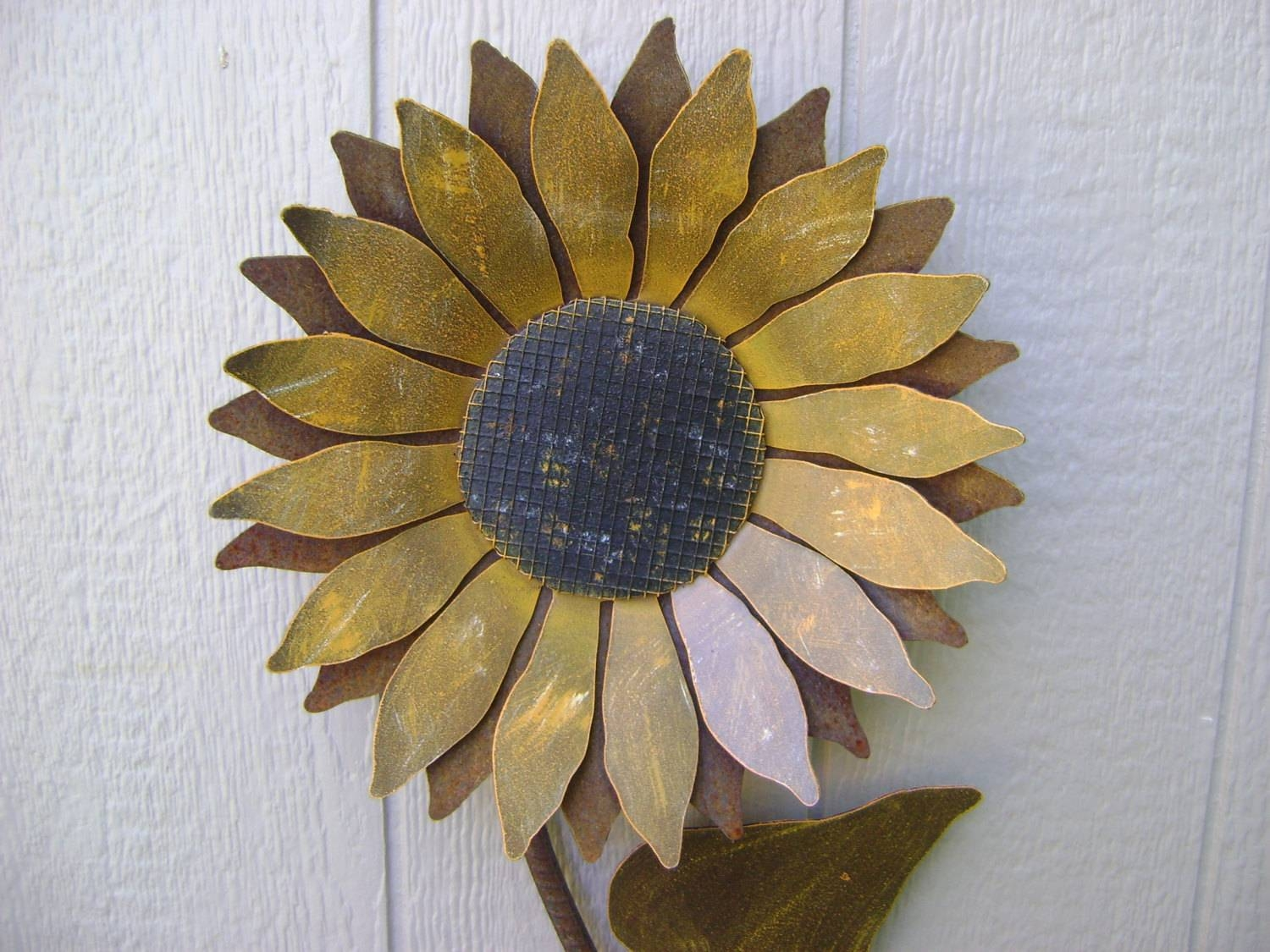 Sunflower Metal Garden Art Sunflower Wall Art Rusty Metal For Most Up To Date Metal Sunflower Yard Art (View 23 of 26)