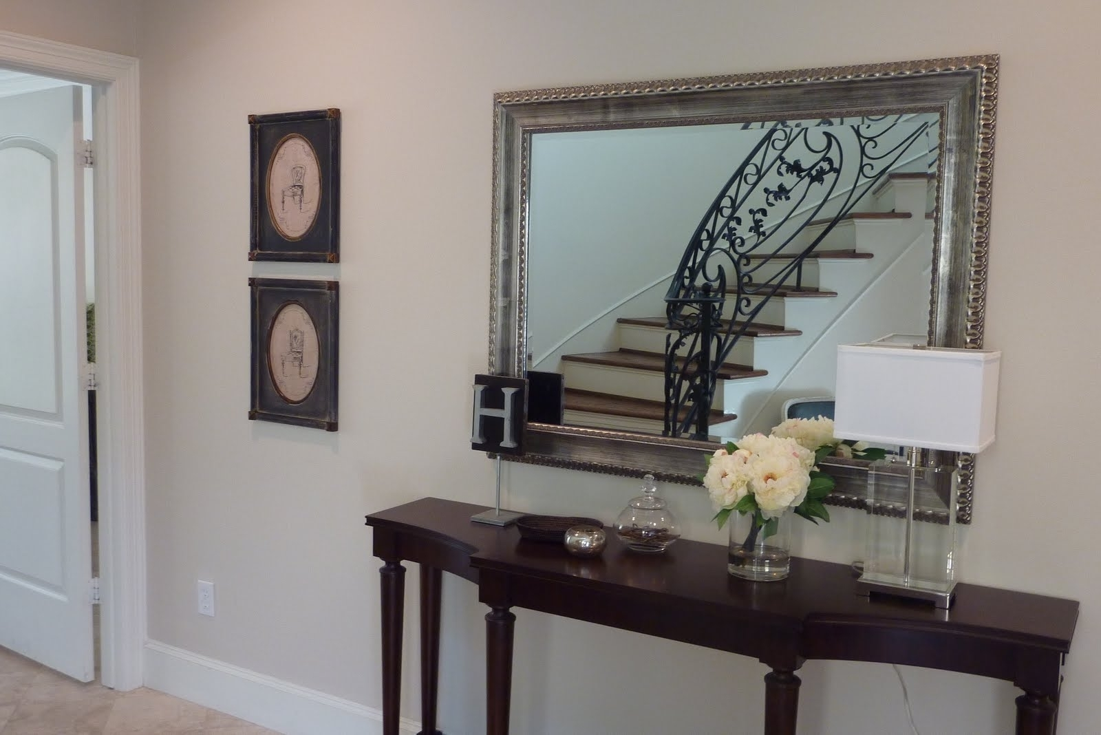 Decorating Entryways Walls – Davotanko Home Interior Throughout Best And Newest Entrance Wall Accents (View 5 of 15)