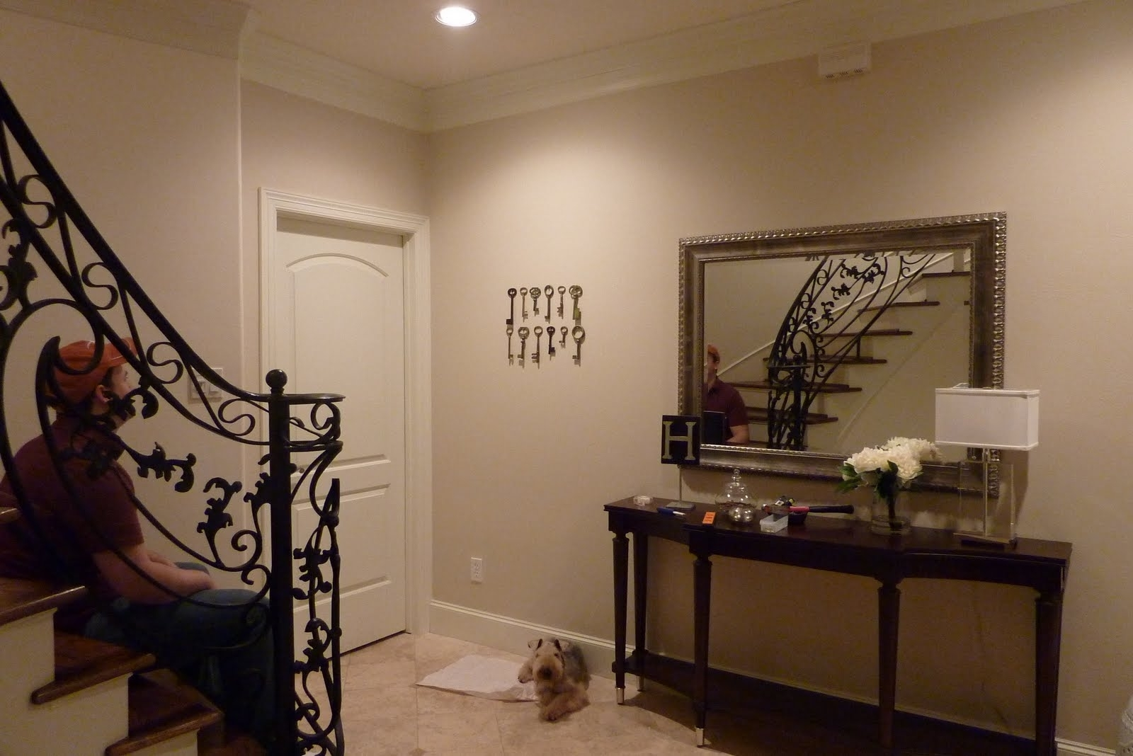 Decorating Entryways Walls – Davotanko Home Interior Within Most Up To Date Entryway Wall Accents (View 12 of 15)