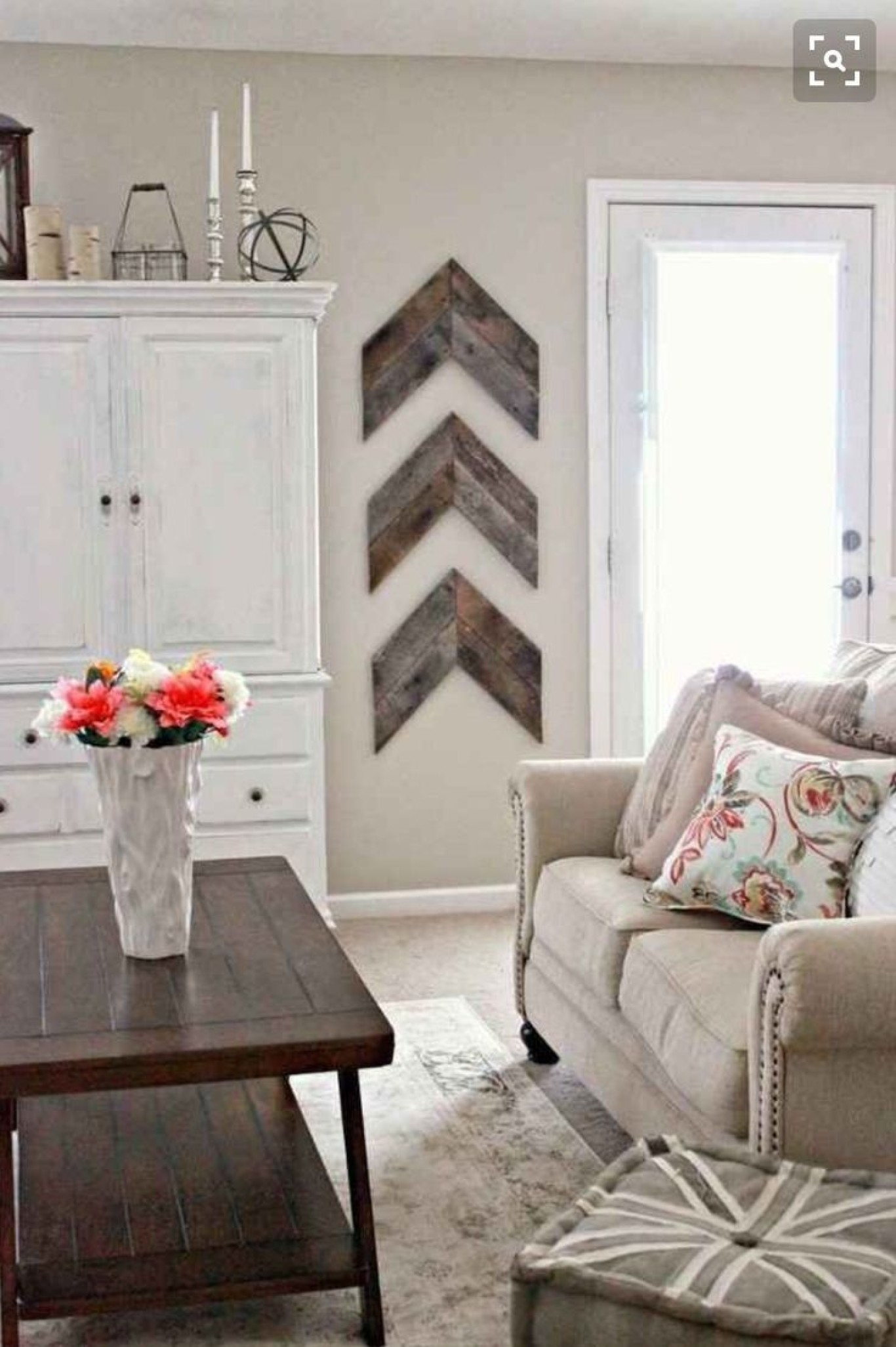 Decorations For Living Room Pertaining To Most Popular Wall Accents For Living Room (Gallery 15 of 15)