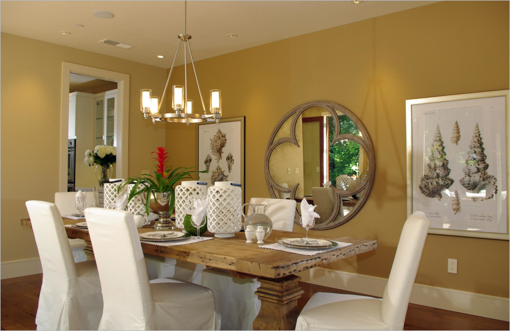 Free Dining Room Wall Decor Pictures In Formal Decorating Ideas On Inside Newest Dining Room Wall Accents (View 8 of 15)