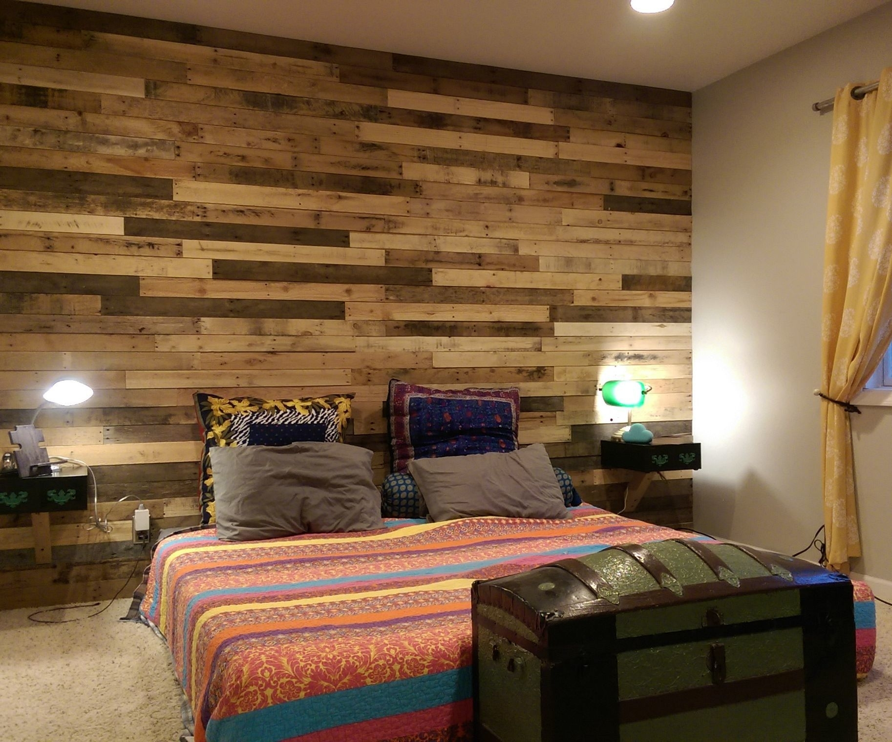 Pallet Accent Wall: 4 Steps (With Pictures) throughout 2017 Wall Accents For Bedroom