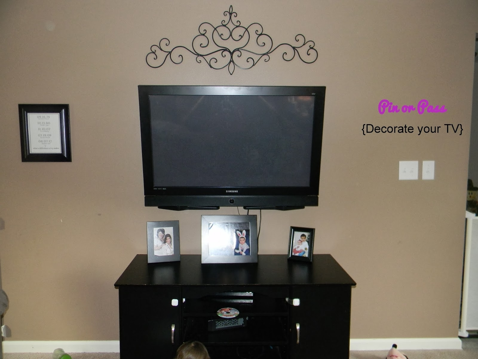 Stunning Decorate Wall Behind Superb Wall Decor Above Tv – Wall Inside Most Popular Wall Accents Behind Tv (View 6 of 15)