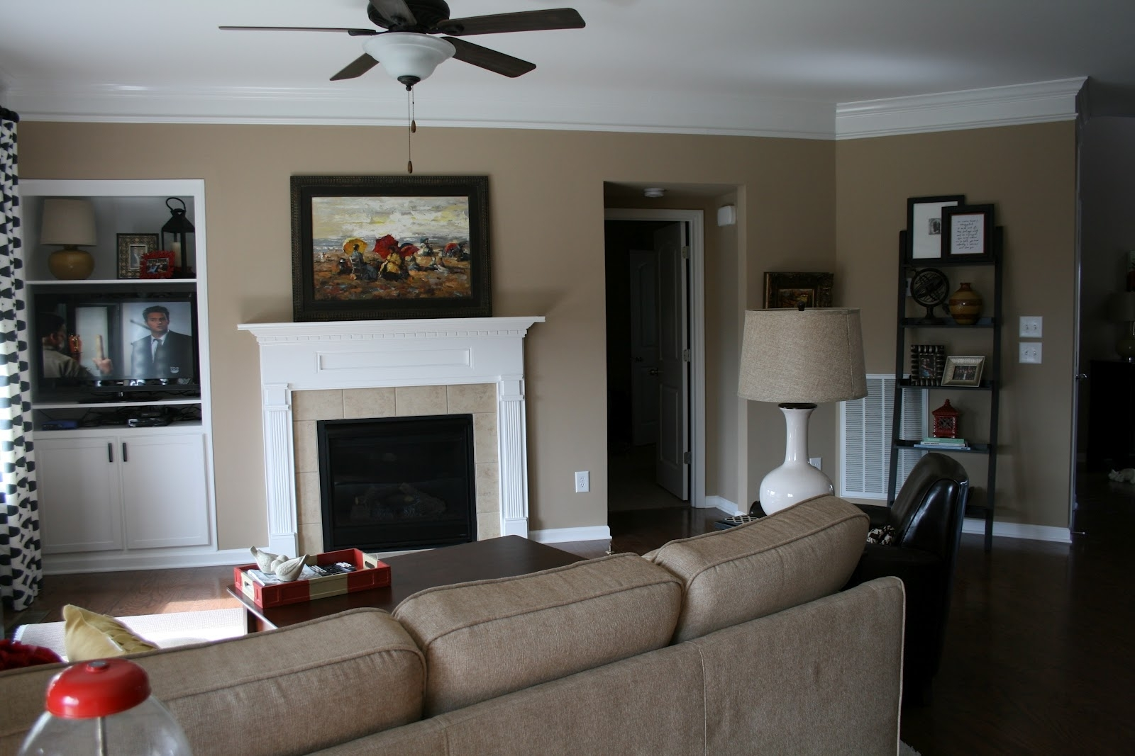 Tan Accent Wall Brown Accent Wall Living Room Ideas Wall Colors Throughout 2018 Wall Accents For Tan Room (View 14 of 15)