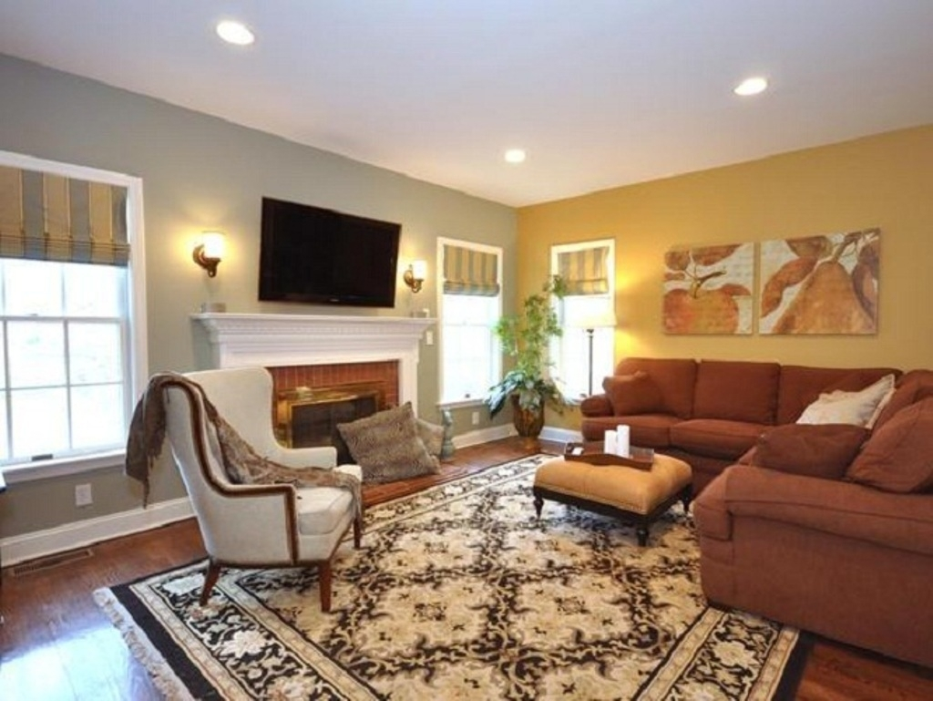 Traditional Carpet With Brown L Shaped Sectional Sofa For Modern Intended For Most Recent Wall Accents For L Shaped Room (View 6 of 15)
