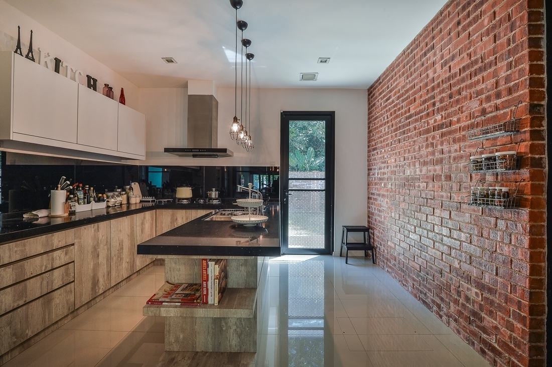 Uncategories Faux Brick Interior Brick Accent Wall Add Brick To With Regard To Most Popular Brick Wall Accents (View 15 of 15)