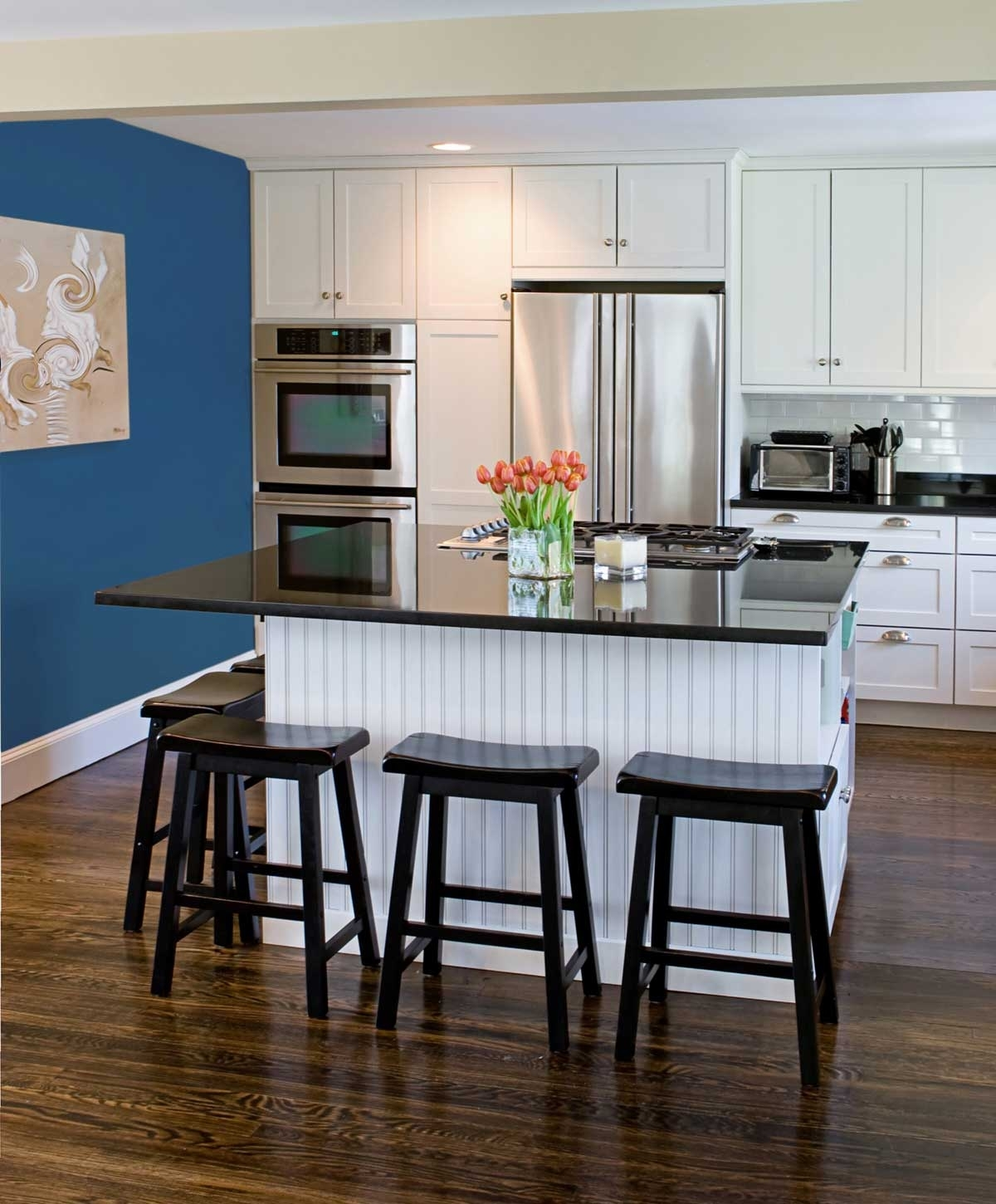 Wonderful Orange Accents Kitchen Design With Blue Wall (View 13 of 15)