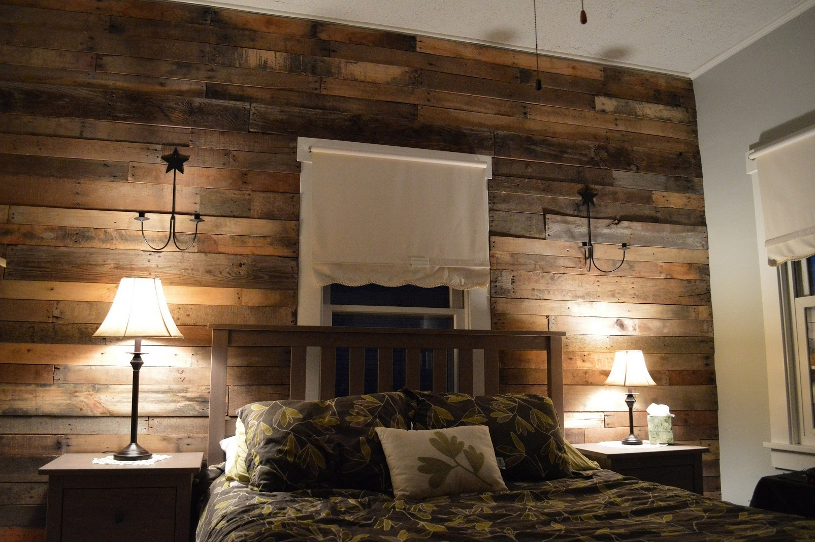 Wood Pallet Wall For Hotter Home Interior Decor, Wall Decor Home With Latest Wood Pallets Wall Accents (View 14 of 15)