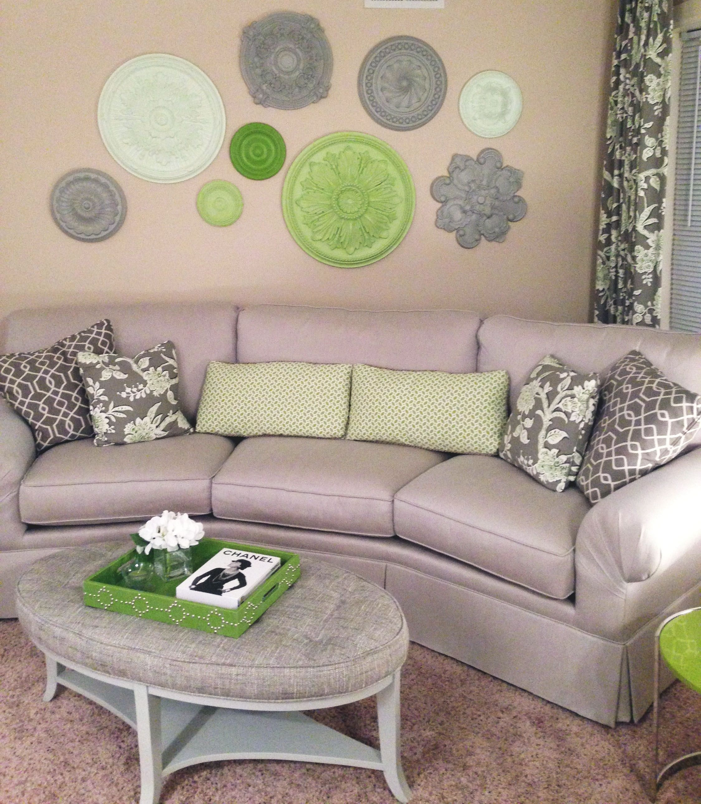 Silver And Green Hues Make For A Serene Combination (View 13 of 15)