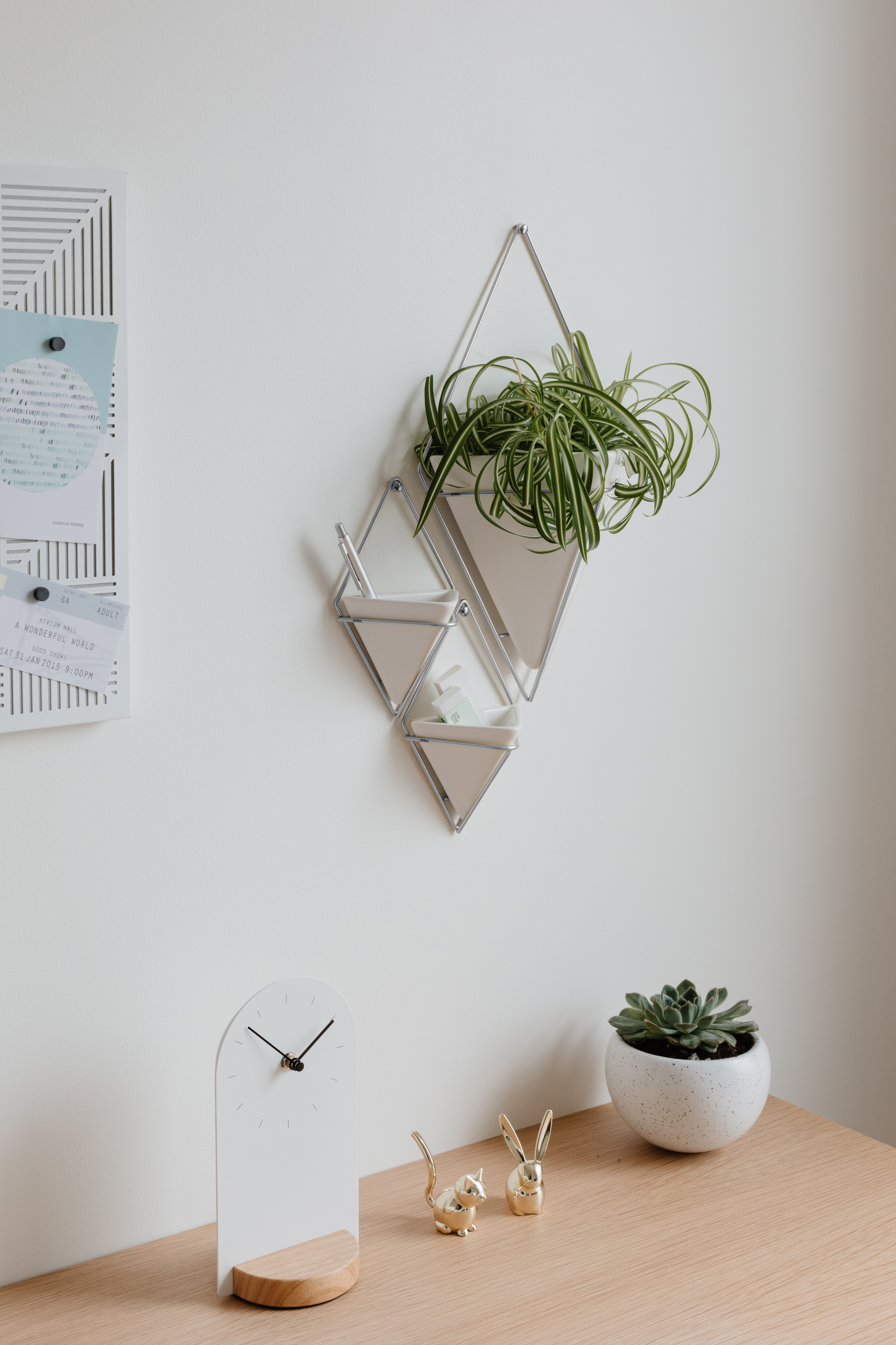 2020 Trigg Hanging Planter Vase & Geometric Wall Decor Container – Great With Regard To 2 Piece Trigg Wall Decor Sets (set Of 2) (View 14 of 20)