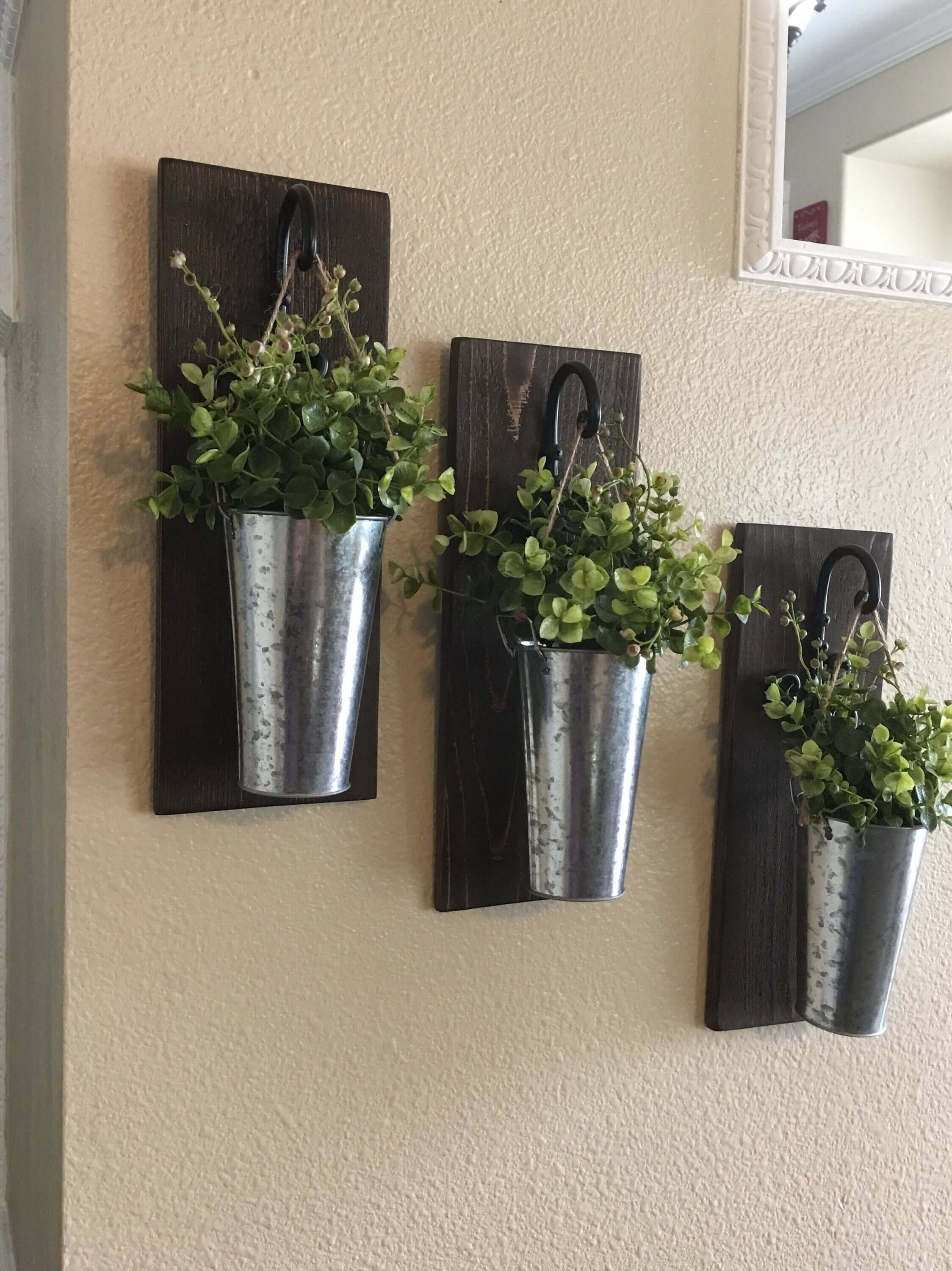 Farm Metal Wall Rack And 3 Tin Pot With Hanger Wall Decor Intended For Newest 36 Best Farmhouse Plant Decor Ideas And Designs For (View 10 of 20)