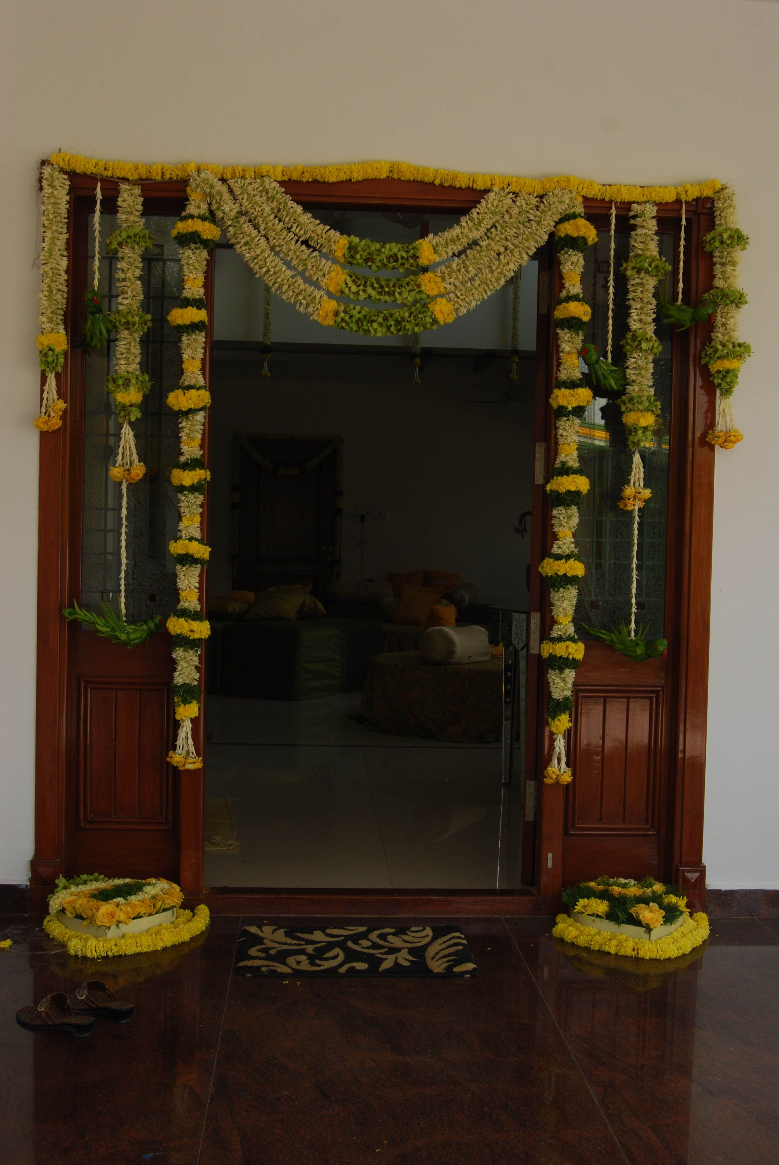 Pasupu Kottadam (haldi Inside Favorite Floral Patterned Over The Door Wall Decor (View 3 of 20)