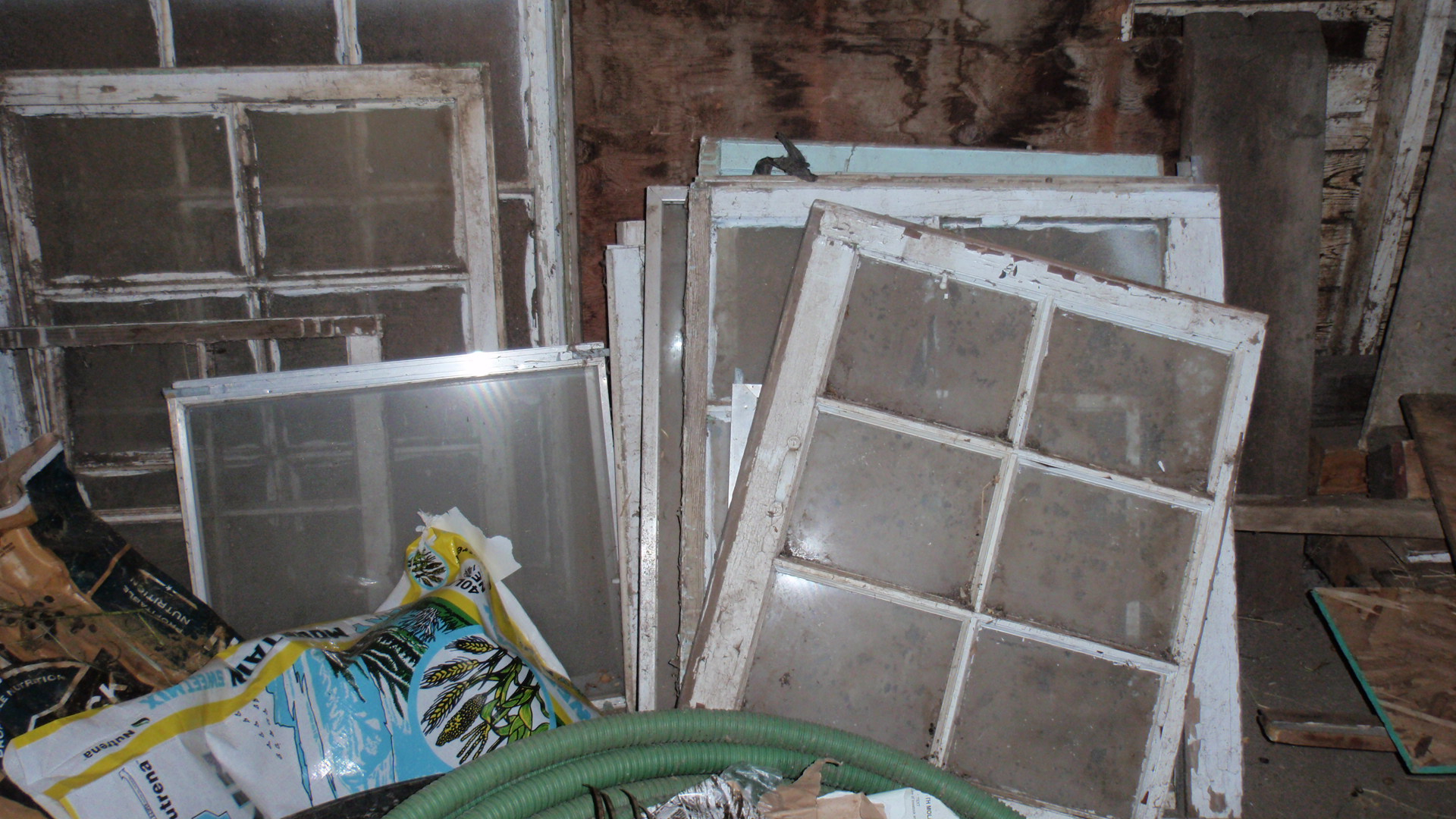 Widely Used Old Stuff  Wood Window Pane To Distressed Picture Frame – My Three C's In Old Rustic Barn Window Frame (View 20 of 20)