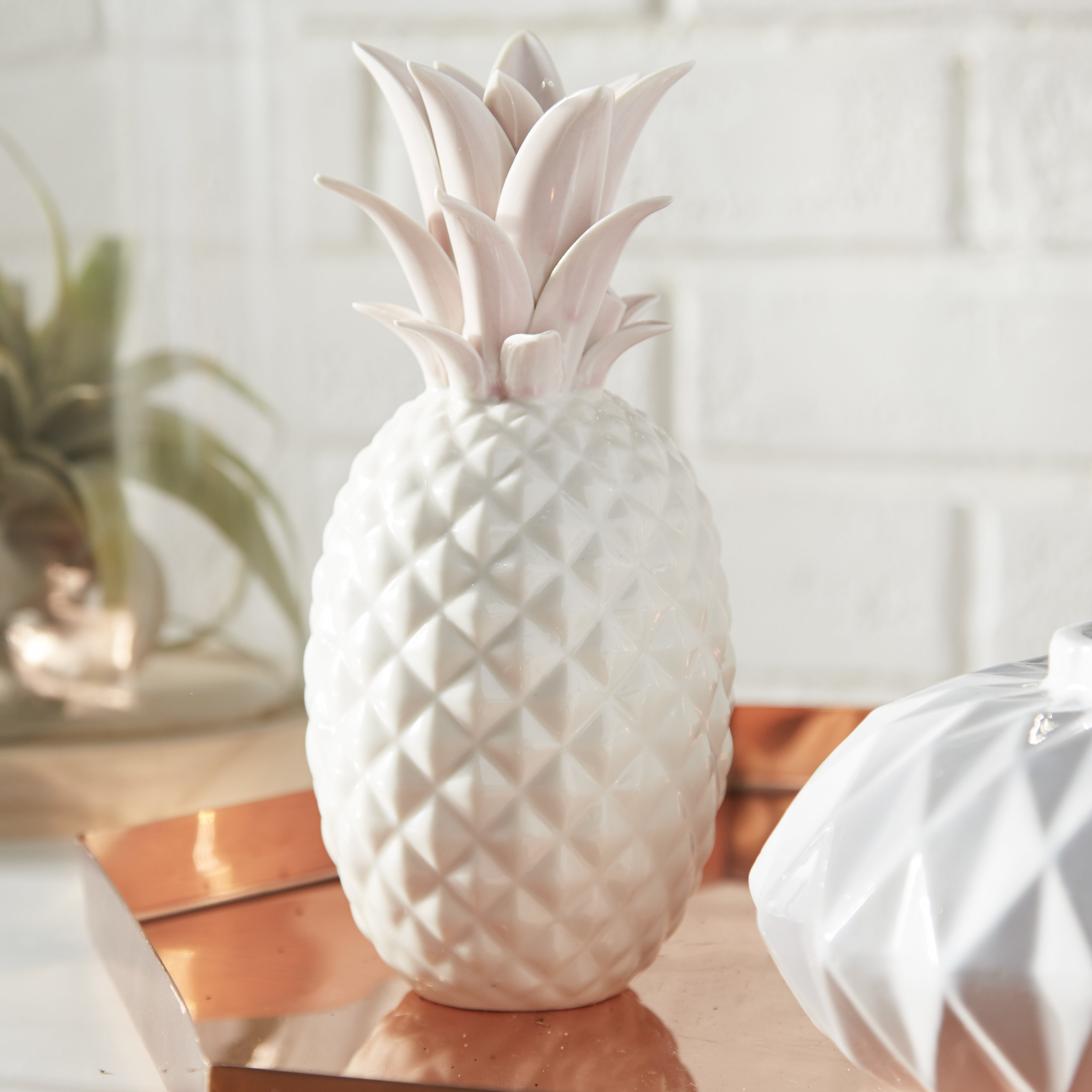 Woodard Modern & Contemporary Ceramic Pineapple Figurine & Reviews Throughout Popular Set Of 3 Contemporary 6, 9, And 11 Inch Gold Tin Starburst Sculptures (View 20 of 20)