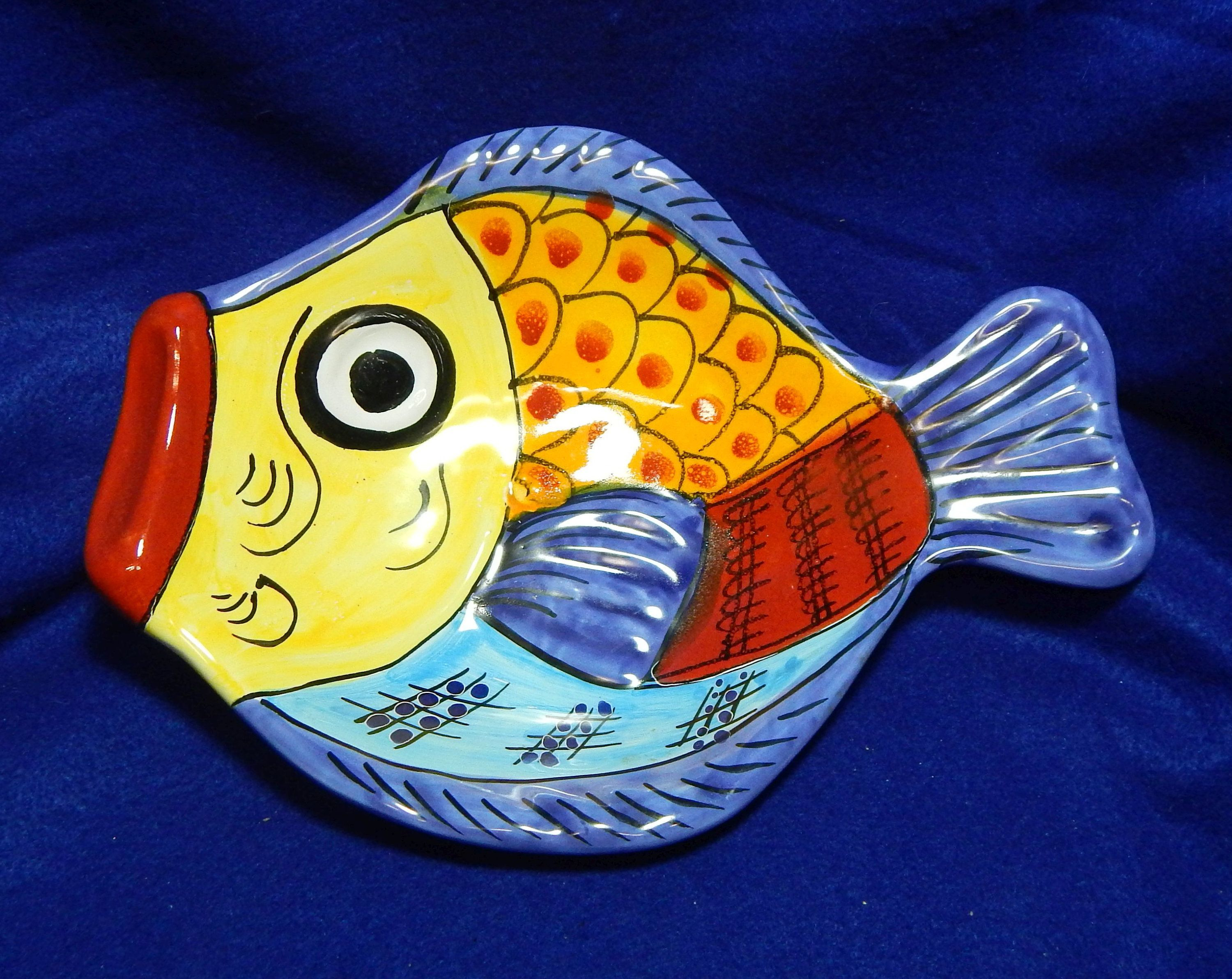 Well Known Vietri Incorporated Desuir International Hand Painted Fish Plate Regarding Ceramic Blue Fish Plate Wall Decor (View 19 of 20)