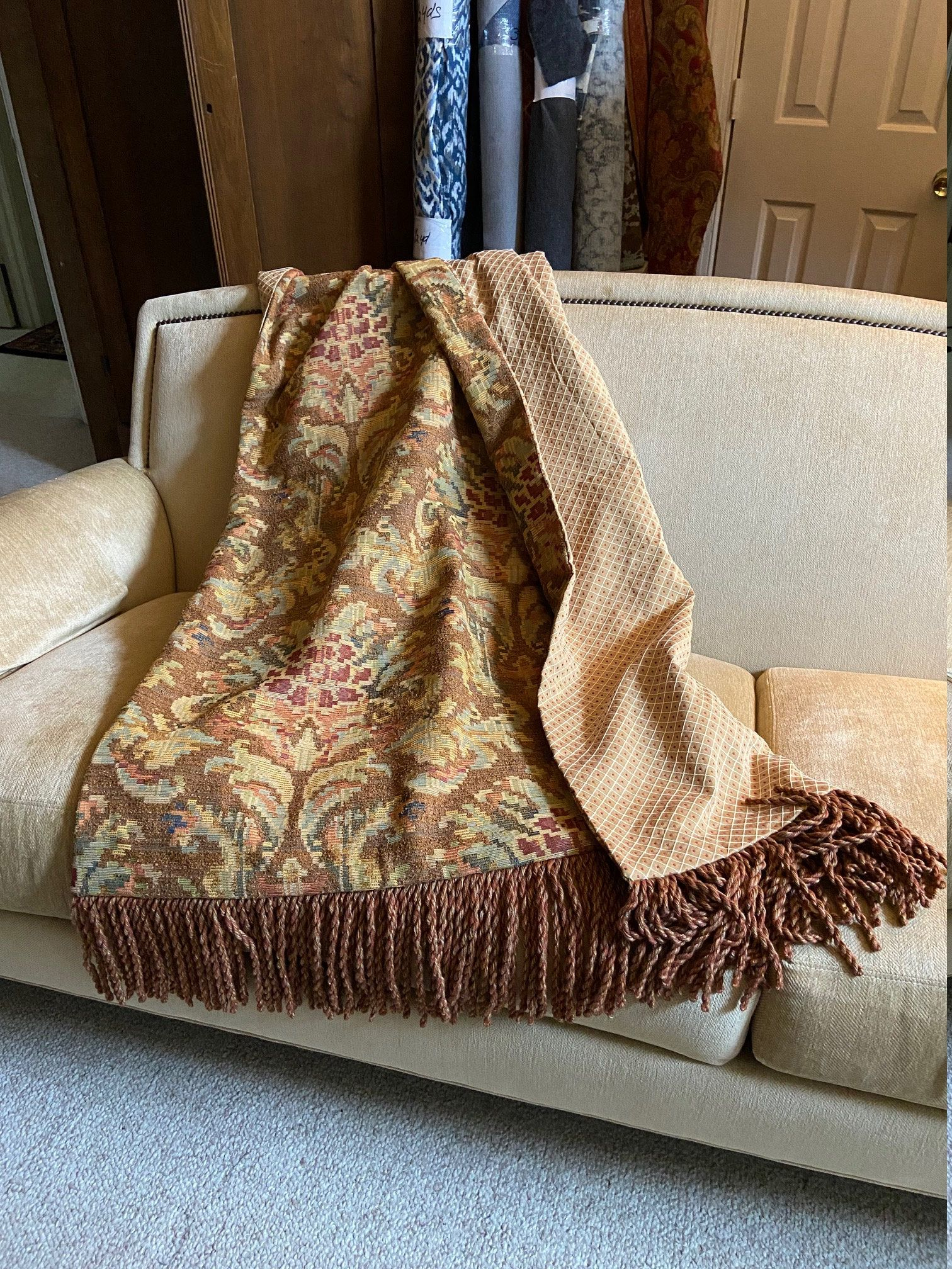 Antique Gold Medieval Throw Blanket Wall Hanging Luxurious Inside Most Recently Released Blended Fabric Peacock European Tapestries (View 15 of 20)