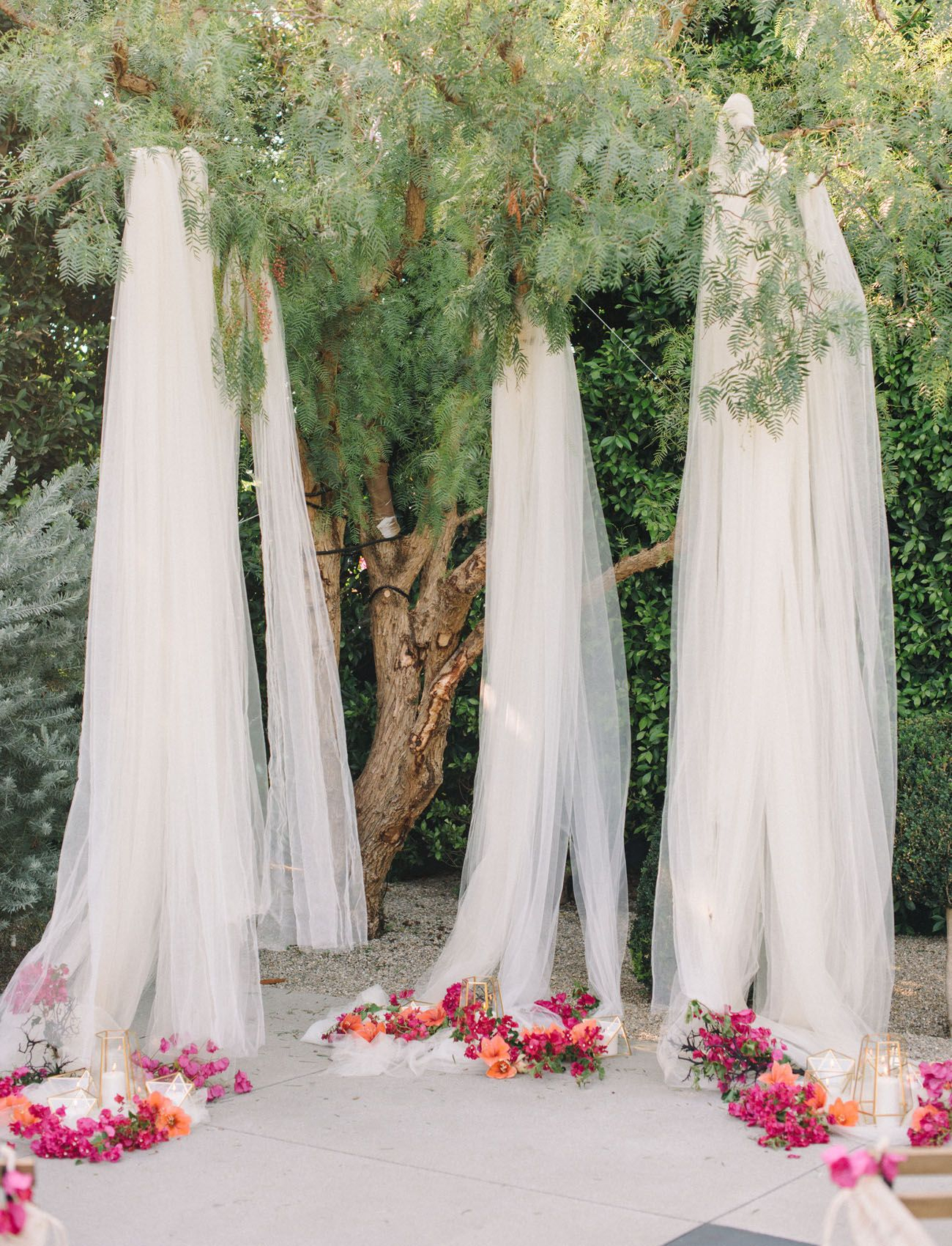 Bright + Modern Wedding Inspiration At The Fig House | Green Pertaining To Most Recently Released Blended Fabric Spring Party Wall Hangings (View 10 of 20)