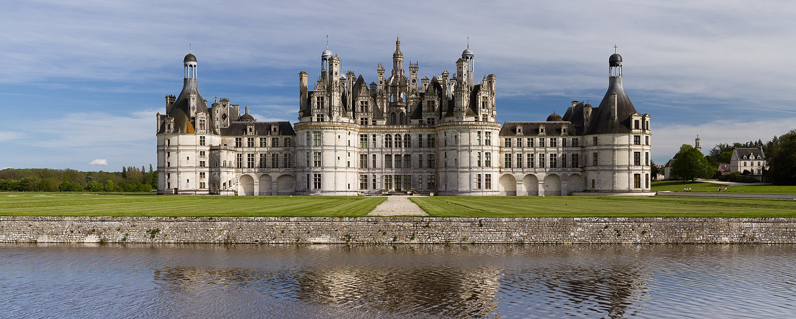 Château De Chambord – Wikiwand Throughout Newest Chambord Castle I European Wall Hangings (View 15 of 20)